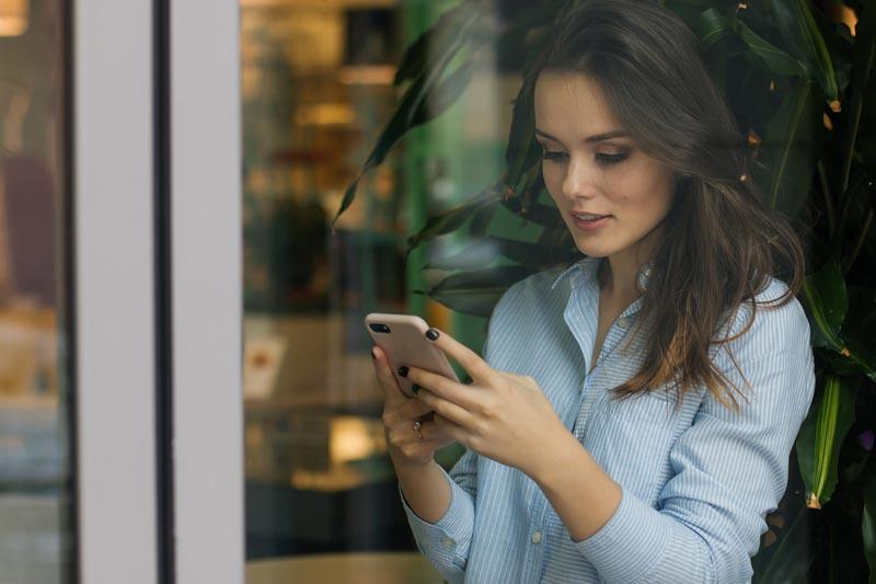 ¿Es mejor la formación online desde el móvil o desde el ordenador?