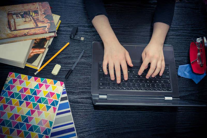 ¿A qué edad puede empezar la formación online?