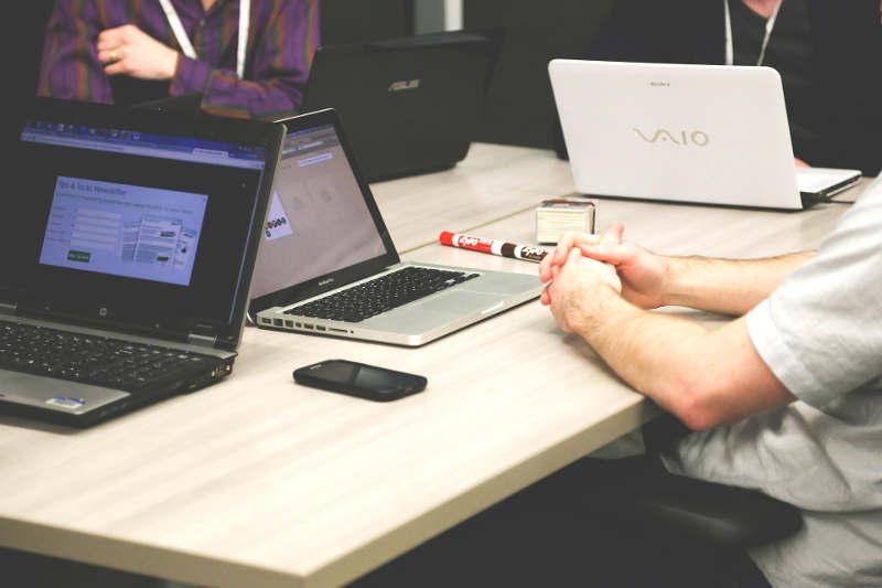 Por qué las prácticas de empresa son tan importantes en la formación online